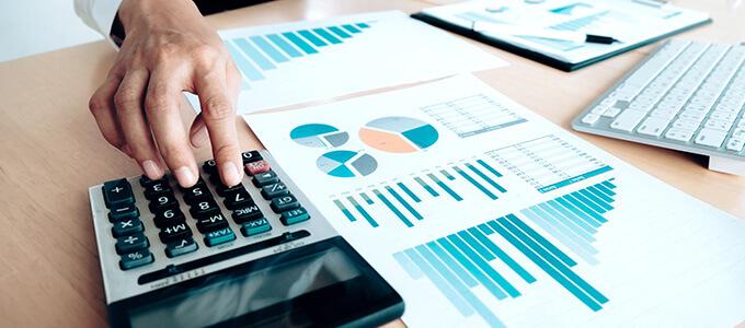 ضريبة القيمة المضافة: كيف يتم احتسابها والإعفاءات